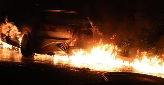 Le feu dans le Hall: Incendiaires Présumés arrêtés
