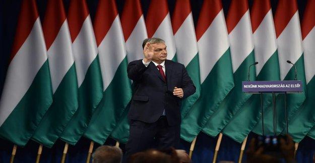 Avec l'Aide de la couronne, la Crise ne veut Orban maintenant au Dictateur de faire