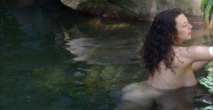 Leila Lowfire baigne le premier Jour...