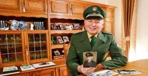 Le commissaire Mau couvre!: Policier à la Retraite de tromper Escrocs
