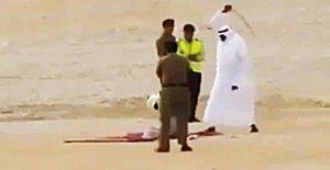 Arabie Saoudite: Les Exécutions! Bourreau têtes 37 Hommes et crucifier un Cadavre