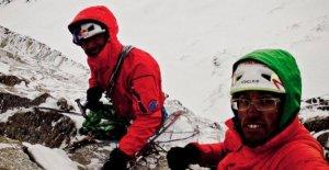 Canada: Ultra-Grimpeur-Lama, en dehors et Roskelley après Avalanche manque