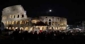 Le pape dirige chemin de Croix au Colisée - Vue