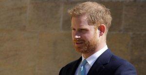 Le prince Harry vient sans Duchesse Meghan à Pâques Culte