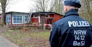 Lügde Police accompagnés des travaux de Démolition sur le Camping