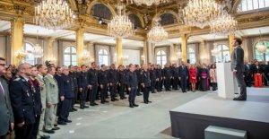 Paris honore les Pompiers: ILS sont les Héros de Notre-Dame