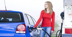 Prix de l'essence, à Pâques: prix du carburant, de l'escalade sur 4 Mois.