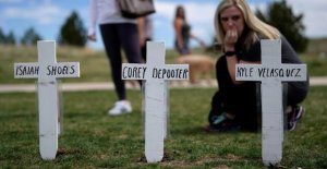 Tuerie de Columbine: 13 Pigeons et beaucoup de Larmes pour les Victimes