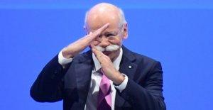 Daimler-Boss Zetsche transmet l'Impôt: discours d'Adieu à Assemblée générale