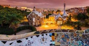 De l'espagne, de l'Architecture Capitale: Beaucoup de Gaudí à Barcelone