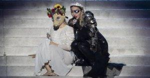 ESC: Madonna avec de Catastrophe se...