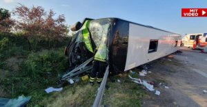 Flixbus sur l'A9 à Leipzig basculé – un Mort, de nombreux Blessés!