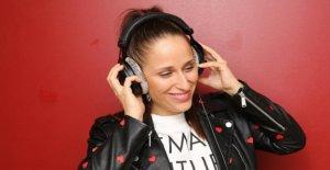 Nina Meerkötter: animatrice de radio affiche la Cellulite-Photos