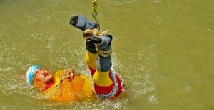 Artiste de l'évasion se fit dans le Gange couler et n'est pas apparue plus