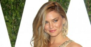 Bar Refaeli: 4 Questions sur le Top