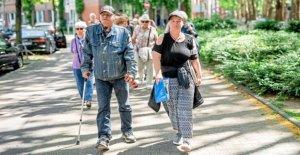 Düsseldorf: FiftyfiftyVendeur de montrer leur Vie sur la Route