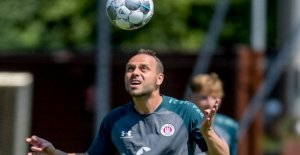 FC St Pauli: nouveau Venu Rico Benatelli a remporté Conseil du Papa