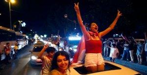 Istanbul, la célébration de la Victoire sur Erdogan