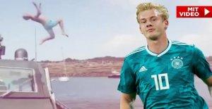 Le Borussia Dortmund BVB-Star Julian Brandt affiche Salto de Yacht