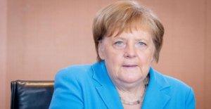 L'heure des questions au Bundestag égal LIVE: Merkel en contre-Interrogatoire,