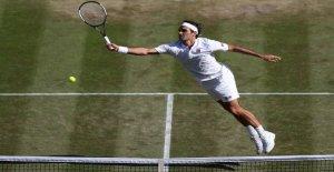 Roger Federer fait signe à lATP de...