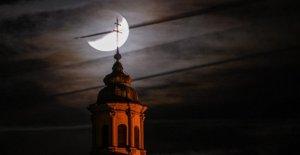 Éclipse de lune de Juillet 2019: des Milliers de personnes ont vu l'Éclipse lunaire partielle