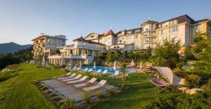 Hotel Panorama Royal: les Bouddhas dans les Alpes - Conseil Éditorial