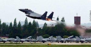 La corée du sud Aériennes tire Warnschüsse contre les Bombardiers russes