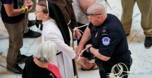 Les expulsions aux états-UNIS: religieuses de Protestation arrêté