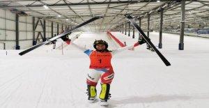 Wendy y a dans le Ski-Halle déjà de retour de Gaz de Vue