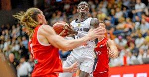 De basket-ball de la Supercoupe: Victoire avec Schröder-Show