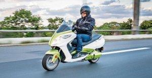 Les scooters électriques et les Trinity Jupiter: Essai avec Trinitys haut de gamme
