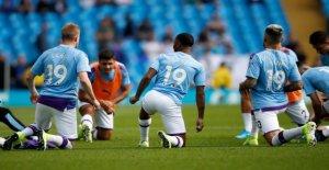 Manchester City: Maillot Geste de blessés Leroy Sané
