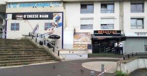 Paris: le Client tire, le Fonctionnement d'une Pizza Magasin, parce qu'il doit attendre longtemps