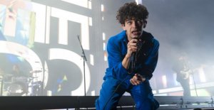 The 1975 à Dubaï: chanteur de Rock assure gay Knutsch Scandale