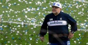 Diego Maradona comme Esgrima de l'Entraîneur, les Fans de la rotation