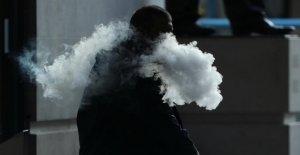 E-Cigarettes: Huitième Mort par cuisent à la vapeur dans les états-UNIS, 900 Victimes de graves Pulmonaires