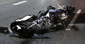Enfant dans la Voiture grièvement blessé: les Motards de la mort, parce que SUV, la Priorité a pris