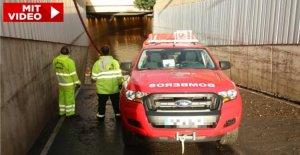 L'homme est resté avec la Voiture coincé: 6 Morts après les Inondations en Espagne