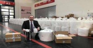 Ministre procuré du Matériel pour un Million de Masques de protection et de demande pour la Couture sur